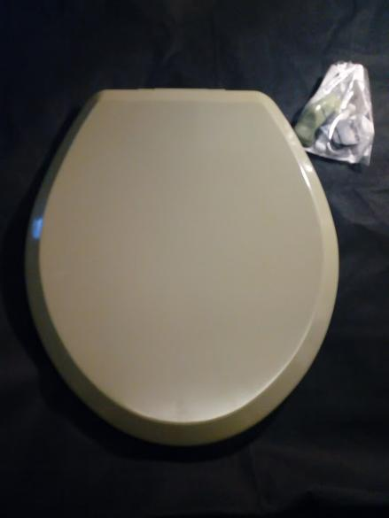 avocado green toilet seat 1970s 1980s