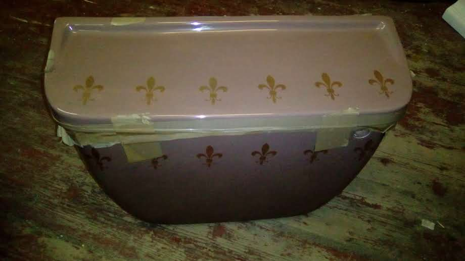 mocca decorated gold fleur de lis cistern