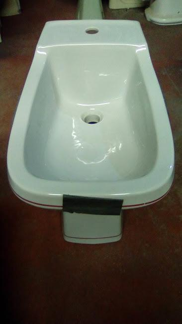 qualcast grey lined band red bidet