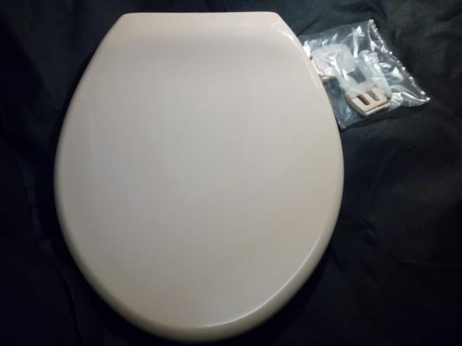british made plastic peach loo toilet seat
