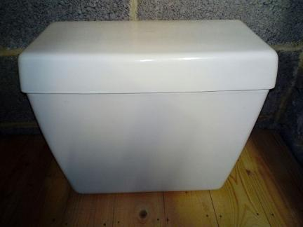 valadares cistern wc loo side lever tank