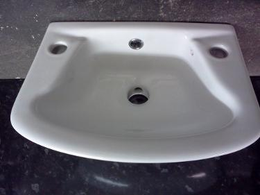 Compact small hand wash wall basin