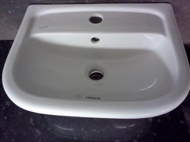 Kerasan wall basin monobloc small medium size bathroom