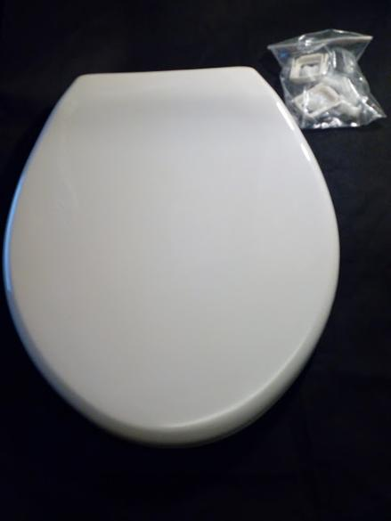 whisper peach misty colour plastic loo seat